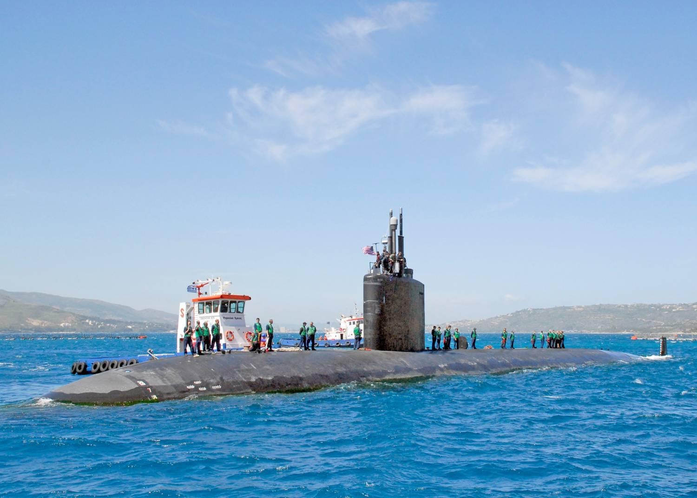 подводную лодку встречают с поросенком